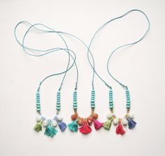 collier ponpoms