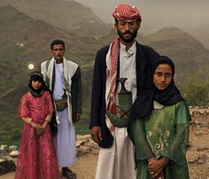 matrimonio-infantil  Tejani, 8 & Majed, 25 junto a Ghada, 8 & Saltan, 33.