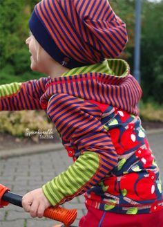 http://spunkynelda.blogspot.de lillestoff enemenemeins fabric eichhörnchen squirrel kidsfashion sewing nähen