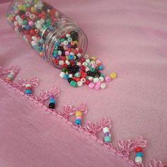 Görümce Çatlatan 36 Farklı Boncuklu İğne Oyası Diy And Crafts, Arts And Crafts, Baby Knitting Patterns, Felt Flowers, Sprinkles, Candy, Beads, Crochet, Lace