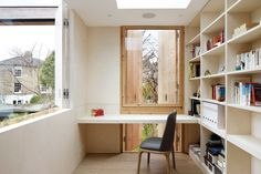 De Beauvoir House is a minimal home located in London, United Kingdom, designed by Cousins & Cousins Architects. Glass Extension, Rear Extension, Journal Du Design, Pump House, Minimal Home, Interior Decorating, Interior Design, Modern Interior, Modern Spaces