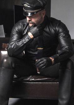 Biker Leather, Leather Gloves, Leather Men, Leather Jackets, Cigar Men, Hard Men, Awesome Beards, Mens Gloves, Leather Fashion