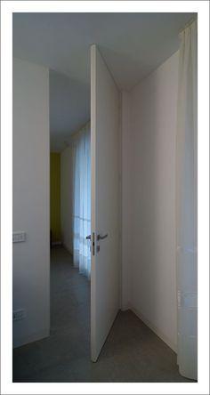 Alzante scorrevole a due ante all\'interno della parete, modello ...