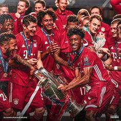 Football Prayer, Bayern Munich Wallpapers, Liverpool Fc Wallpaper, Thomas Muller, Germany Football, Bmw Concept, Soccer Pictures, Fc Bayern Munich, Robert Lewandowski