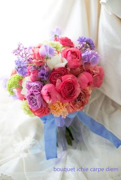 アニヴェルセルみなとみらい様へ、  お届けした芍薬とラナンキュラスとライラックのブーケ。    コーラルピンクのシャクヤクを特に希望なさっていた花嫁様... Color Mixing, Floral Arrangements, Wedding Bouquets, Rose, Happy Brithday, Pink, Wedding Brooch Bouquets, Flower Arrangement, Bridal Bouquets