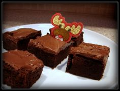 slimming world brownies 12 sins for whole recipe astuce recette minceur girl world world recipes world snacks Slimming World Brownies, Slimming World Sweets, Slimming World Puddings, Slimming World Syns, Slimming World Recipes, Healthy Treats, Healthy Baking, Healthy Recipes, Sweet Recipes