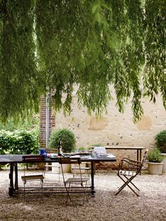 Landscaping ideas Gravel courtyard Normandy by ABKasha
