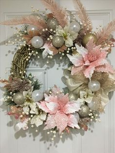 Diy christmas wreaths 60798663707012952 - 21 Ideas tiny christmas tree diy holidays Source by Rose Gold Christmas Decorations, Tiny Christmas Trees, Christmas Wreaths For Front Door, Thanksgiving Wreaths, Noel Christmas, Holiday Wreaths, Winter Wreaths, Crochet Christmas, Christmas Pictures
