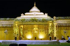 Venkateswara Flower Decors (VFD) provides Reception Stage, Hall & All Wedding Decoration Services in Chennai. Indian Wedding Stage, Wedding Stage Design, Wedding Stage Decorations, Indian Wedding Planning, Big Fat Indian Wedding, Engagement Decorations, Backdrop Decorations, Balloon Decorations, Flower Decorations