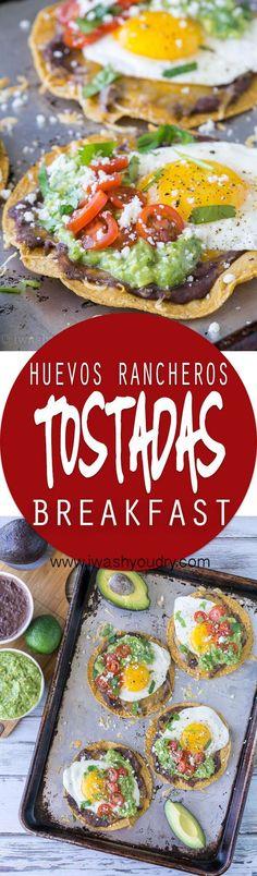 Huevos Rancheros Tostadas with Avocado Salsa Verde....id use cheese for my tostada shell | https://lomejordelaweb.es/ | https://lomejordelaweb.es/