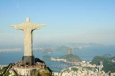 """Conhecida mundialmente como """"Cidade Maravilhosa"""", o Rio de Janeiro é um dos destinos mais famosos do Brasil e do Mundo."""