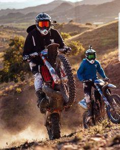 Lastminutestylist Travel Gifts For Boyfriends Ideas Gifts For Her Romantic Girlfriends Gift Ideas For Gir Enduro Motocross Motorcross Bike Motocross Love
