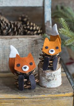 9 Pine Cone Kids Crafts: Felt Pinecone Fox