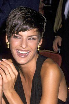 Linda Evangelista, 1989 Aloxxi Hair Color Personality SEDUCTION ON THE GRAND CANAL (R) | model hair | celebrity hair | short hair | pixie cut | hair inspiration | runway hair