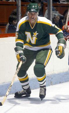 Bobby Smith (North Stars du Minnesota) Minnesota North Stars, Minnesota Wild, Wild North, Montreal Canadiens, Great Team, Hockey Players, New England Patriots, Nhl, Captain America