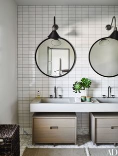 A double vanity in a guest bath | archdigest.com