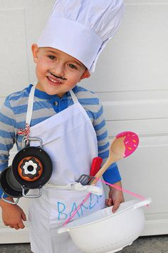 Non scary kids Halloween costumes to DIY - The baker costume