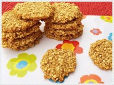 Cooking for babies – made easy: applesauce and oatmeal biscuits - Snack Mix Recipes Oatmeal Applesauce Cookies, Oatmeal Biscuits, Snack Mix Recipes, Baby Food Recipes, Sweet Recipes, Baby Led Weaning Breakfast, Baby Snacks, Baby Finger Foods, Cookies For Kids