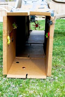 This is what I need for the kids Halloween party this year: an obstacle course!