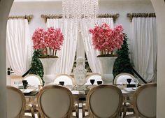 Paris Hilton dinning room