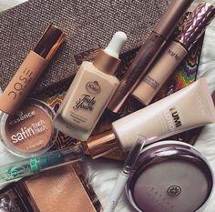 Gallery❤️ on Makeup❤️ Makeup Guide, Makeup Blog, Makeup Kit, Beauty Makeup, Makeup Inspo, Huda Beauty, Makeup Ideas, Beauty Tips, Drugstore Makeup