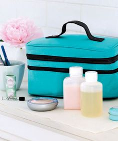 Beauty to Go - Cut down on preflight panic with a ready-to-tote toiletry bag in your luggage at all times. - if only I could afford to buy a whole other set of makeup Vacation Packing, Packing Tips For Travel, Packing Hacks, Cheap Travel Deals, Student Travel, Travel Route, Mini Bottles, Travel Kits, Travel Makeup
