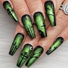 The Best Halloween Nail Designs in 2018 – ♡Halloween nails♡ – - Nail Art Design Holiday Nail Designs, Halloween Nail Designs, Black Nail Designs, Simple Nail Designs, Holiday Nails, Christmas Nails, Nail Art Designs, Nails Design, Salon Design