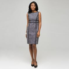 Top 10 Dress Styles for Women Over 50   #3: EMPIRE WAIST  A dress that has empire waist tailoring is ultra comfortable and flattering. If you have a pear-shaped figure—that is, smaller on top than on the bottom—the empire waist dress with a flared skirt is ideal.