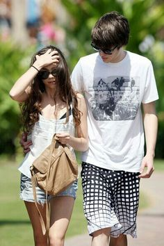 Matt Prokop and Sarah Hyland. The cutest celeb couple ever.