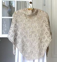 Knit Cowl, Knitted Poncho, Knitted Shawls, Knitting For Charity, Free Knitting, Knitting Patterns, Crochet Stitch, Knit Crochet, Crochet Pattern