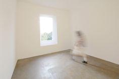 Varese Window Room.Robert Irwin; Vertical Portal Cut to Outside Park.
