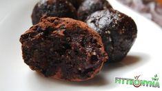 Brownie golyó - FittKonyha Vegetarian Recipes, Healthy Recipes, Healthy Food, Hungarian Recipes, Macaron, Latte, Food And Drink, Vegan, Cookies