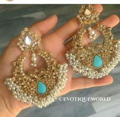 indian fashion Traditional -- Click visit link to read Indian Jewelry Earrings, Fashion Earrings, Jewelery, Fashion Jewelry, Gold Jewelry, Mirror Jewellery, Gold Necklaces, Luxury Jewelry, Cartier Jewelry