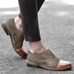 Women's Leather Cap Toe X Stitching Vintage Loafers Women's Shoes, Oxford Shoes Outfit, Zapatos Shoes, Women Oxford Shoes, Dress Shoes, Flat Shoes, Shoes Women, Dress Clothes, Ladies Shoes