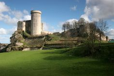 Castle of William the Conqueror at Falaise, Normandy, France Ancient English, Omaha Beach, Gite Rural, Honfleur, French Castles, William The Conqueror, Fairytale Castle, Visit France, French Chateau