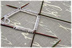Suvikumpu: Nappivarsisukat - ohje Clothes Hanger, Arrow Necklace, Coat Hanger, Clothes Hangers, Clothes Racks
