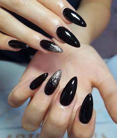 10 Fabulous black edgy nail art design with glitter - Nail Art Designs Black Acrylic Nails, Matte Black Nails, Black Nail Art, Glitter Nail Art, Black Almond Nails, Black Nails With Glitter, Edgy Nail Art, Edgy Nails, Cute Nails