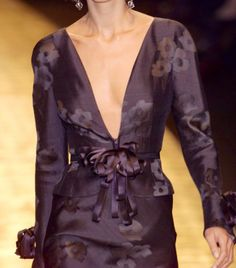 Valentino details - I swear I love him so much, I could be blindfolded and pick out his designs....that man is AMAZING, just AMAZING!