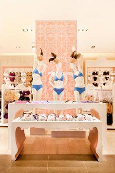 Ripley's lingerie baroque concept in Rancagua Chile Clothing Store Interior, Clothing Store Design, Visual Merchandising, Lingerie Store Design, Bridal Boutique Interior, Summer Store, Underwear Store, Retail Store Design, Store Interiors