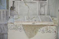 """Vintage Setzkästen - Antike Druckerlade im weißen """"Shabby Kleid"""" - ein…"""