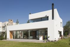 Image 16 of 24 from gallery of MC House / VismaraCorsi Arquitectos. Courtesy of VismaraCorsi Arquitectos