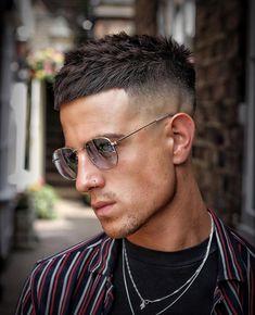 New short mens hairstyles with beard. Mens Haircuts Quiff, Mens Hairstyles With Beard, Cool Hairstyles For Men, Cool Haircuts, Hair And Beard Styles, Haircuts For Men, Men's Hairstyles, Trending Hairstyles, Short Hair Cuts