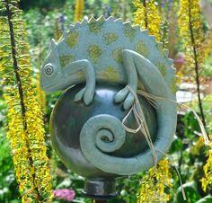 Chamäleon - Keramik mit gelb-grünen Tupfen