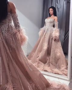 Luxus Abendkleider lang günstig online kaufen The evening dresses long luxury is made of satin and w Arabic Wedding Dresses, A Line Prom Dresses, Cheap Prom Dresses, Ball Dresses, Sexy Dresses, Wedding Gowns, Evening Dress Long, Evening Dresses, Bridal Outfits