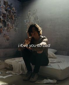ilysb by lany Lany Band, Paul Jason Klein, Indie Pop Bands, Matthew Healy, Music Is My Escape, Sing To Me, Music Lyrics, Music Bands, Cool Bands