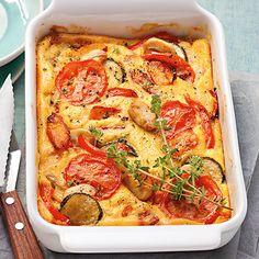 Der würzige Auflauf mit viel frischem Gemüse kann je nach Saison der Gemüse immer wieder variiert werden - schmecken tut er immer gut.