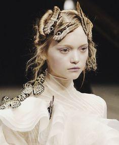::: Gemma Ward a@ Alexander McQueen, F2006 :::