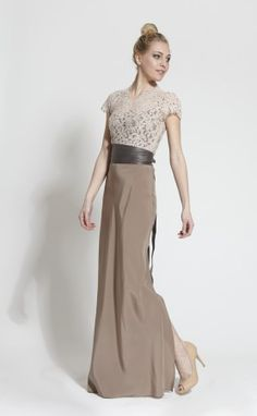 Abendkleid-Tizia-Dress-Long-Taupe-Charly-Lace-Top-Nude-Wrap-Belt Taupe