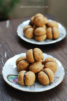 Baci di Dama, Lady's Kisses, extremely yummy Italian cookie