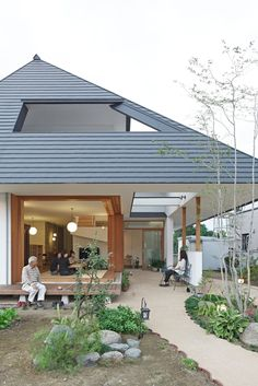 11 ideas to make your patio beautiful (From Katherine Rañeses) Japanese Modern House, Japanese Home Design, My Home Design, House Design, Bedroom Minimalist, Architecture Résidentielle, Porche, Modern Contemporary Homes, Cabin Interiors